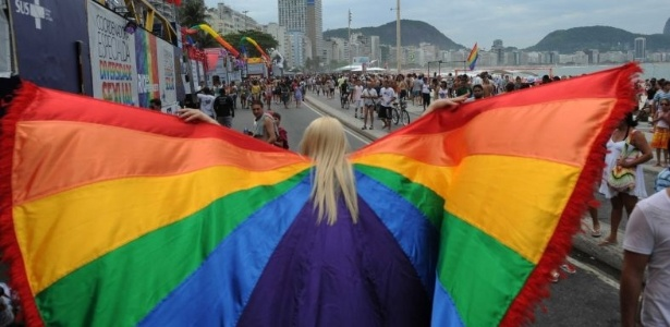 Parada Gay aconteceu neste domingo (9) no Rio de Janeiro
