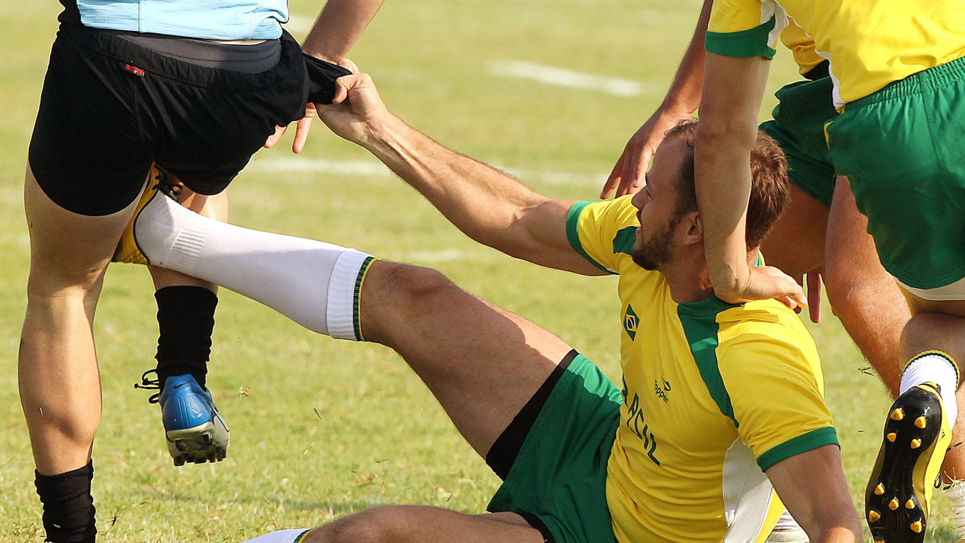 Com a derrota para o Uruguai, o Brasil está fora da briga por medalhas no rúgbi no Pan (30/10/2011)