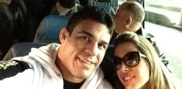 Vitor Belfort e Joana Prado durante viagem à França