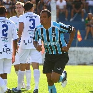 Luxemburgo acredita que a fixação de Gilberto Silva foi um dos motivos da melhora da defesa