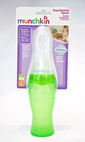colher-mamadeira da Linea Baby à venda na Feira do Bebê, Gestante e Criança (20/3/2012)