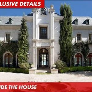 Ex-mansão de Michael Jackson em imagem do site TMZ