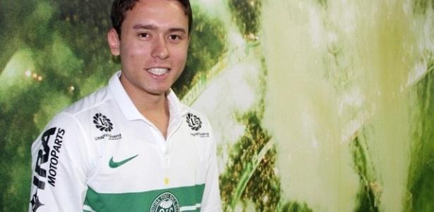 Atacante Keirrison é apresentado, em seu retorno ao Coritiba (22/03/2012)
