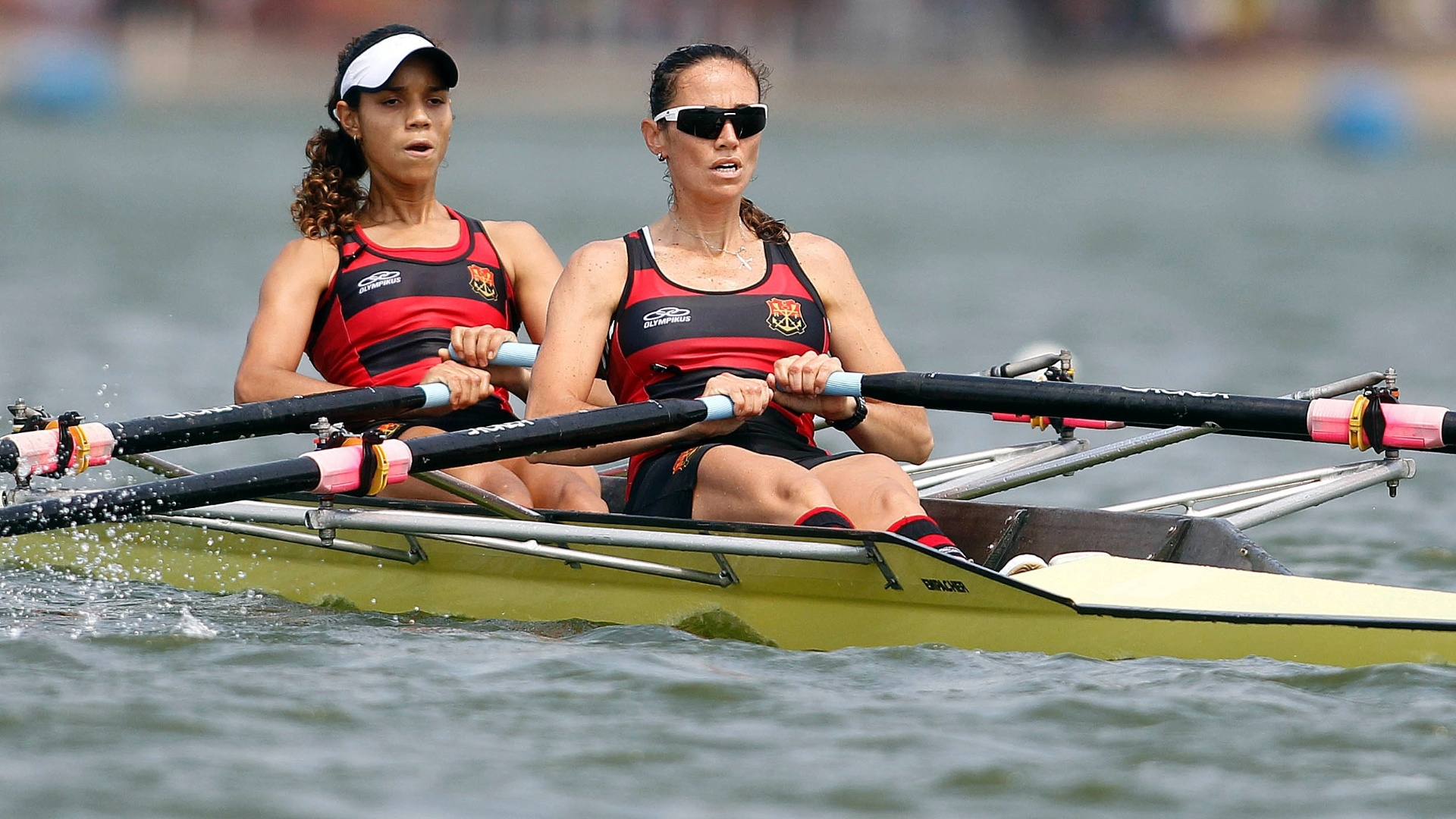 Luana Bartholo e Fabiana Beltrame buscarão uma vaga na Olimpíada-2012 no skiff duplo leve