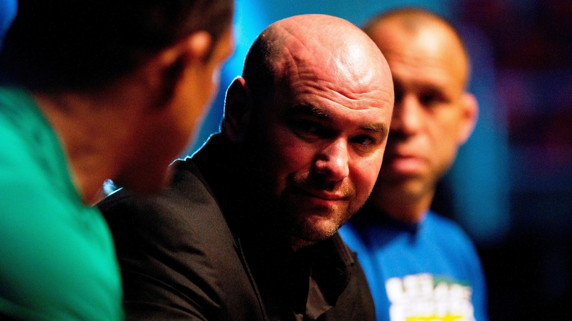 Dana White conversa com Vitor Belfort e Wanderlei Silva durante gravao do TUF Brasil