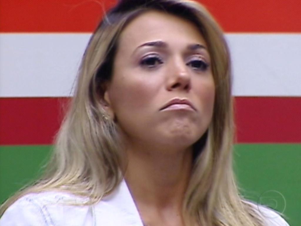 Fabiana disse que deu uma risada dentro do carro que foi mal interpretada pelos brothers (23/3/12)