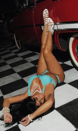Gretchen faz ensaio sensual com inspiração pin-up (23/3/2012)