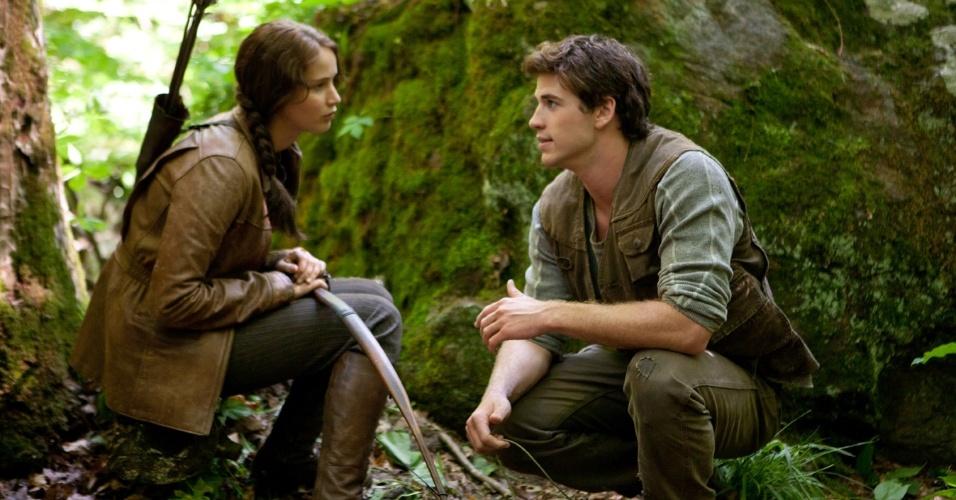 """Jennifer Lawrence e Liam Hemsworth em cena de """"Jogos Vorazes"""", de Gary Ross"""