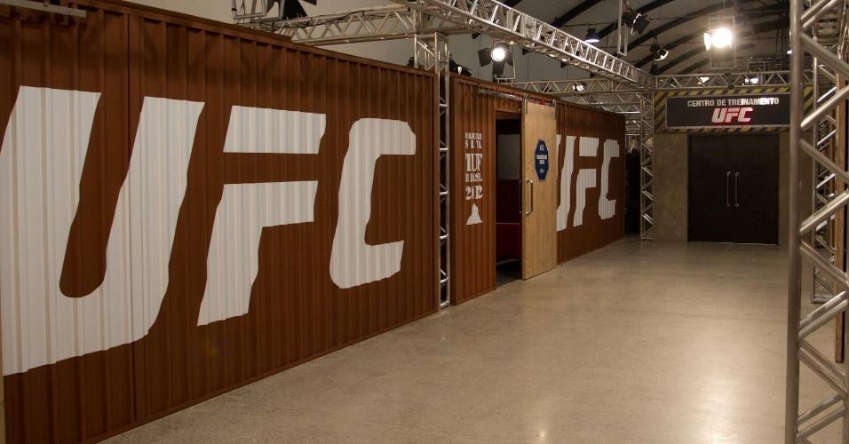 Na primeira edição do reality show do UFC, o The Ultimate Fighter, lutadores vão ficar em uma grande mansão, com direito a muito luxo para o período de confinamento. O programa dá dois contratos com o maior evento de MMA da atualidade