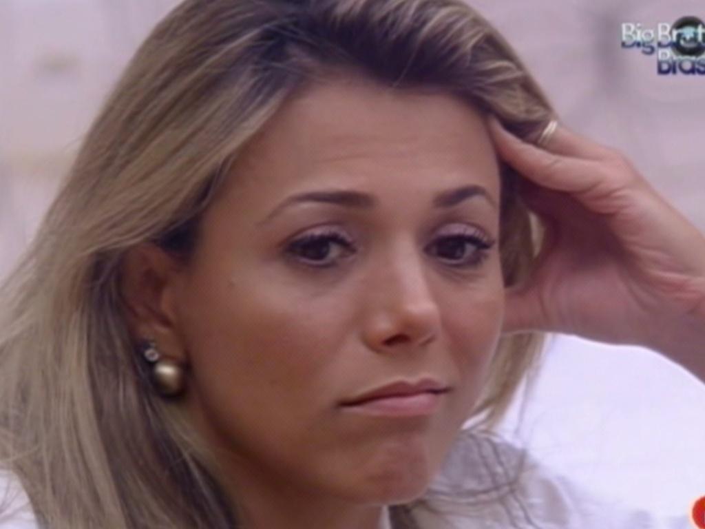 Fabiana conversa com Fael no quarto do líder após a formação do paredão desta sexta-feira (23/3/12)