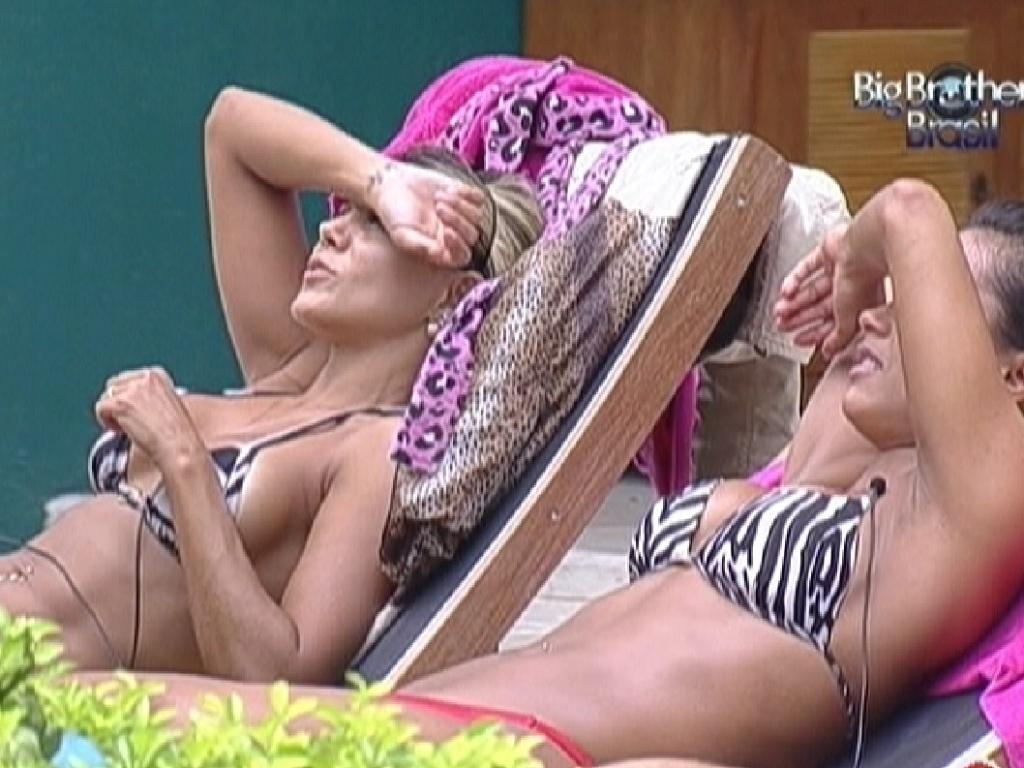 Fabiana e Kelly aproveitam manhã de Sol (24/3/12)