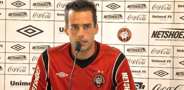 Goleiro Vinícius, do Atlético-PR