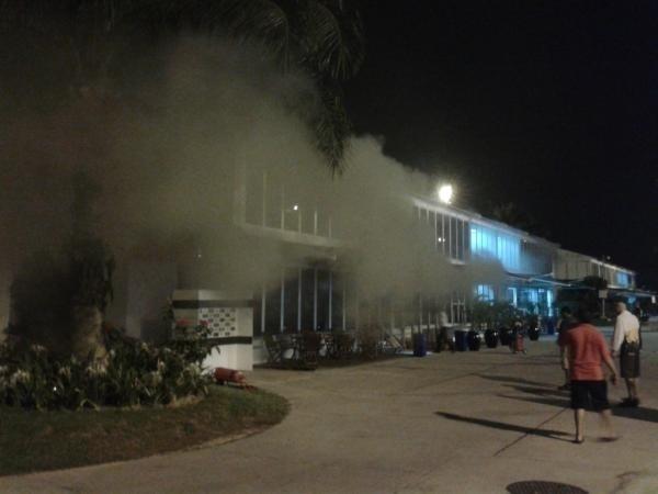Incêndio na base da Lotus em Sepang foi controlado pelos bombeiros antes de atingir instalações da Ferrari