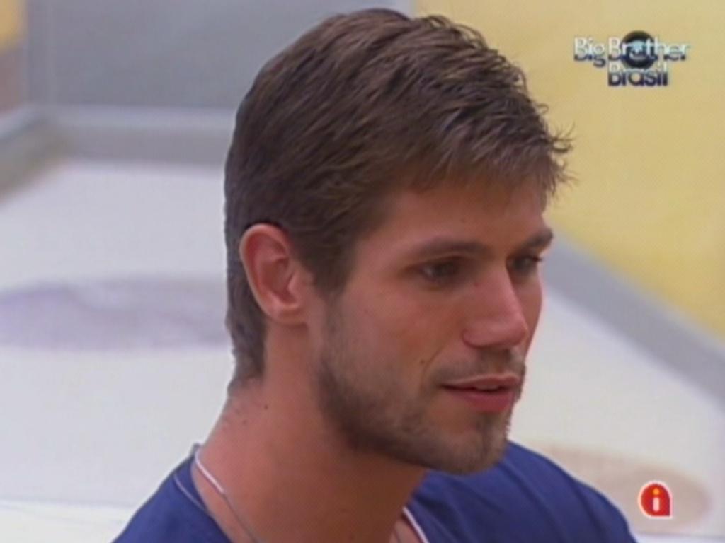 Jonas disse que está tranquilo para disputar o 12º paredão do programa (23/3/12)