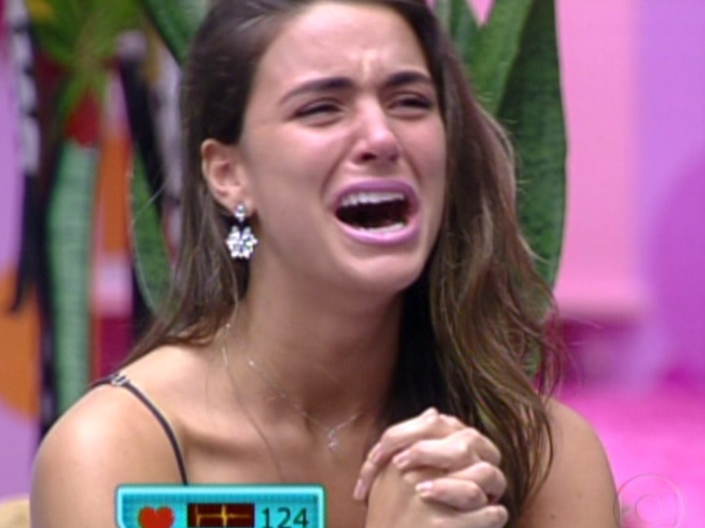 Laisa se emociona ao ver sua famlia no programa de sua eliminao (21/2/12)