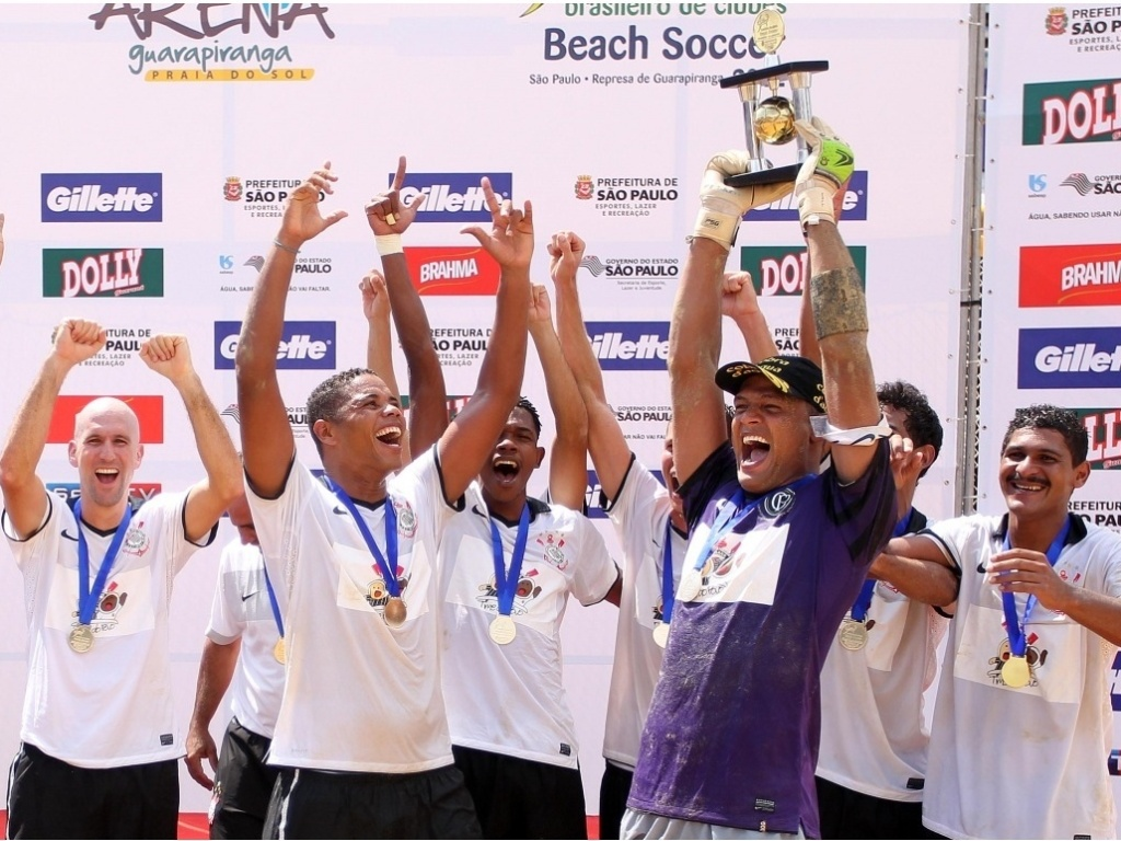 O Corinthians se tornou o primeiro campeo brasileiro de beach soccer