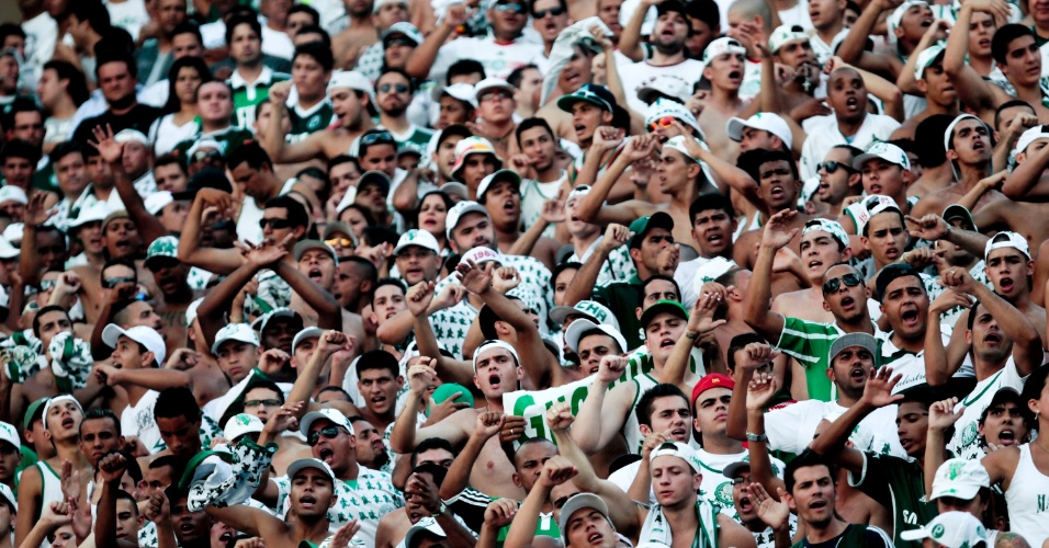 Torcedores do Palmeiras ficaram em menor n&#250;mero neste domingo no Pacaembu (25/03/2012)
