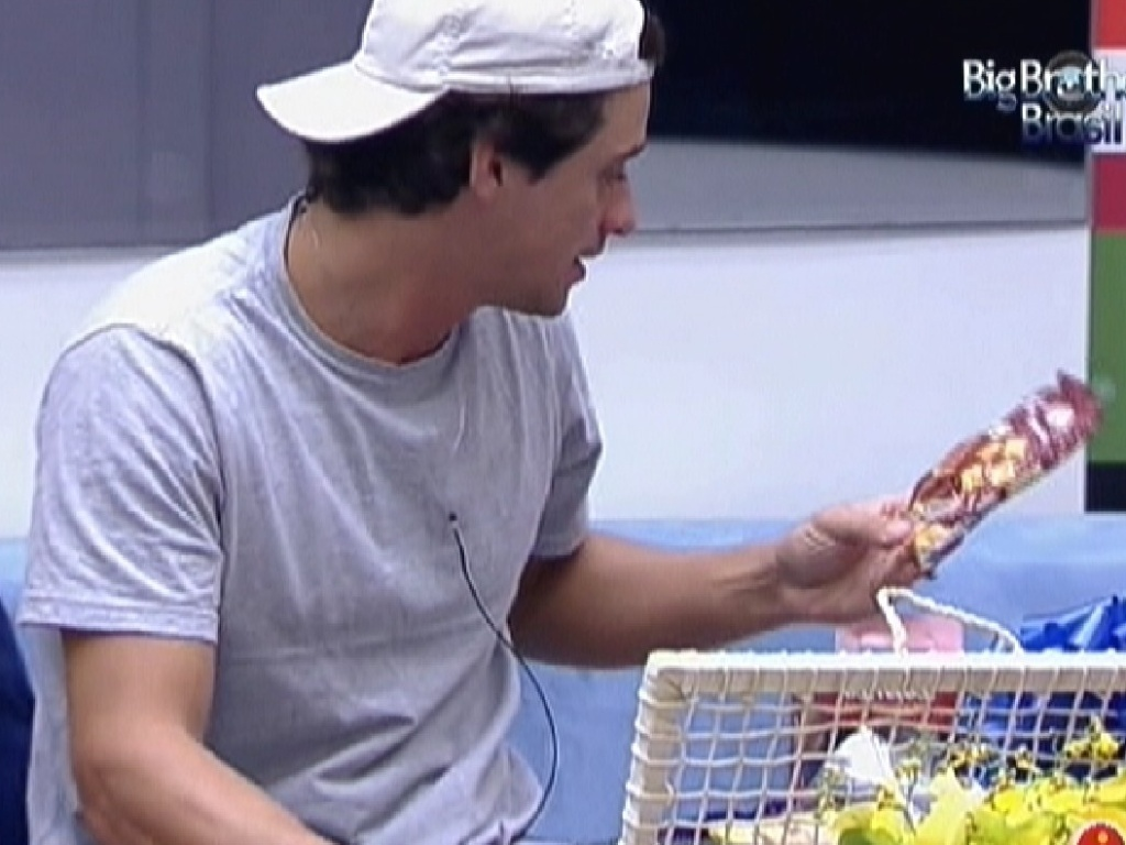 Fael comemora cesta que ganhou (26/3/12)