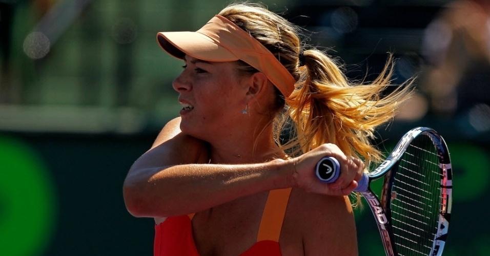 Maria Sharapova teve dificuldades, mas venceu a compatriota Ekaterina Makarova e está nas quartas de final em Miami