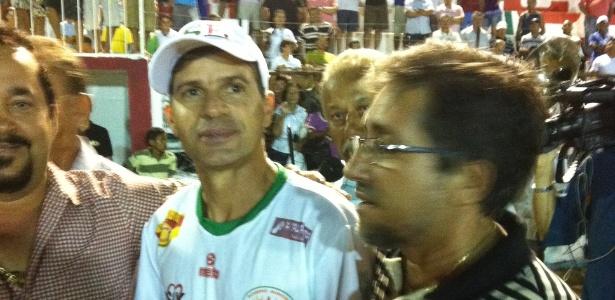 Artilheiro veterano estava no clube alagoano desde janeiro, onde fez dez gols