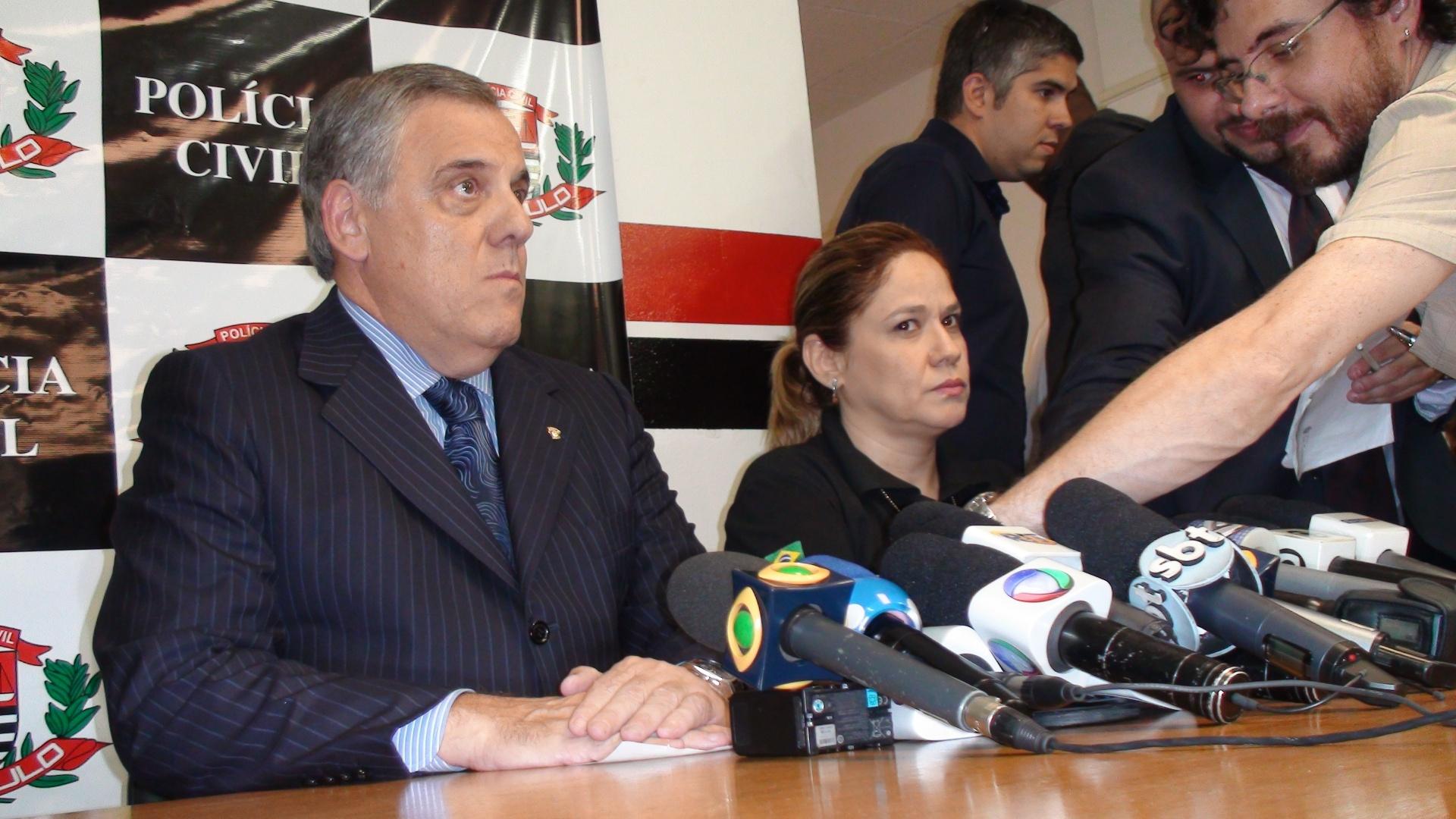 Diretor da DHPP, Jorge Carrasco, e delegada do Decradi, Margarette Barreto, investigam briga entre corintianos e palmeirenses