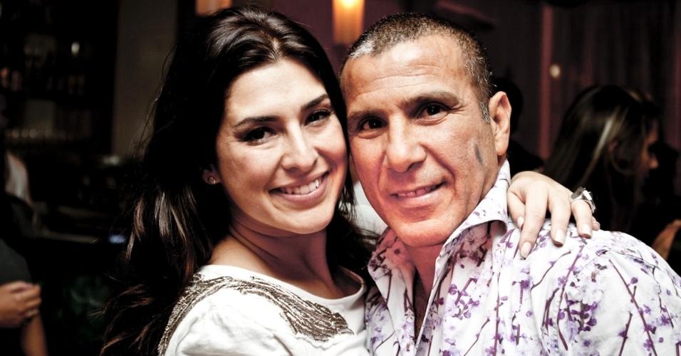 """Fernanda Paes Leme e Eri Johnson prestigiam a inauguração do """"Bistrô Faria Lima"""", primeiro restaurante do ator Caio Castro (26/3/12)"""