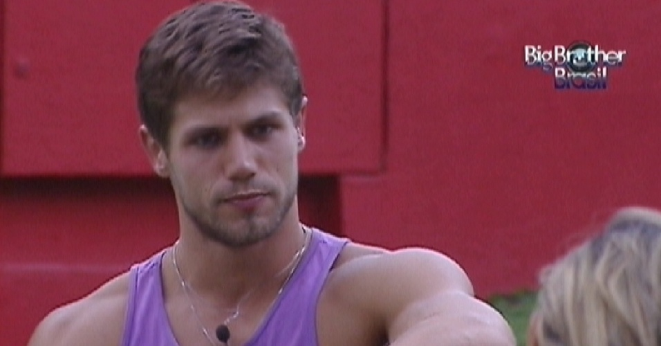 Jonas relembra participantes que foram eliminados (27/3/12)