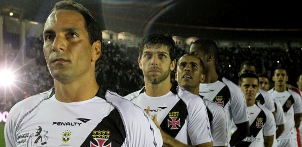 Edmundo em sua despedida do Vasco ao lado de Juninho e Felipe