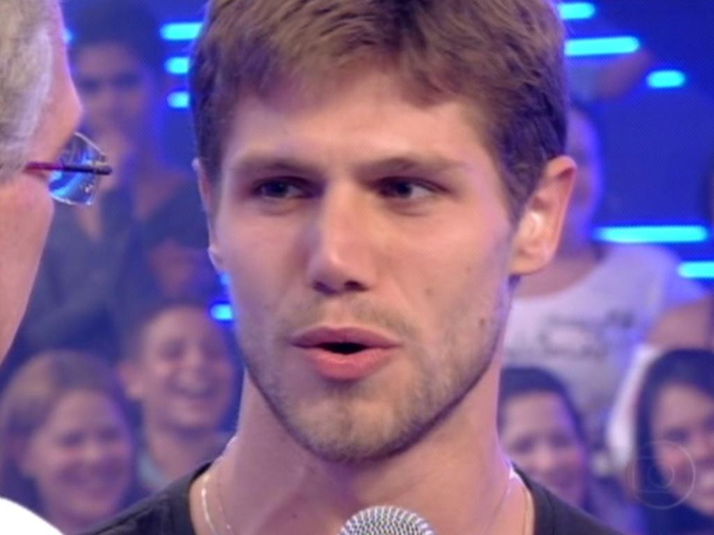 Questionado por Bial, Jonas disse que Fael será o vencedor do