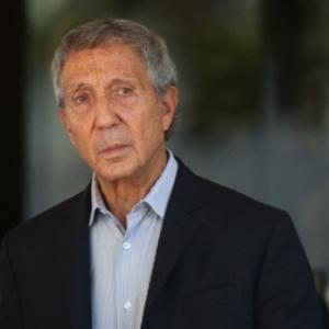 Um dos principais avalistas da contratação do técnico Emerson Leão no São Paulo, Abílio Diniz usou a sua conta do Twitter para criticá-lo