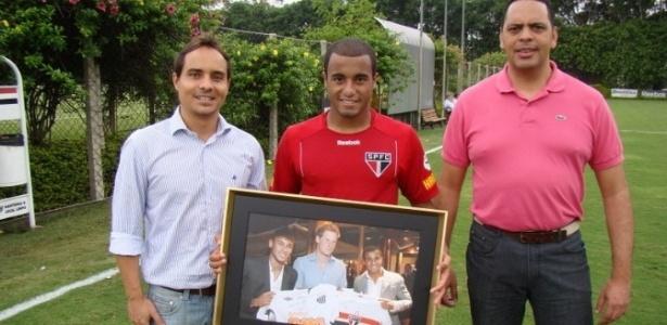 Lucas recebeu um quadro de presente do príncipe Harry