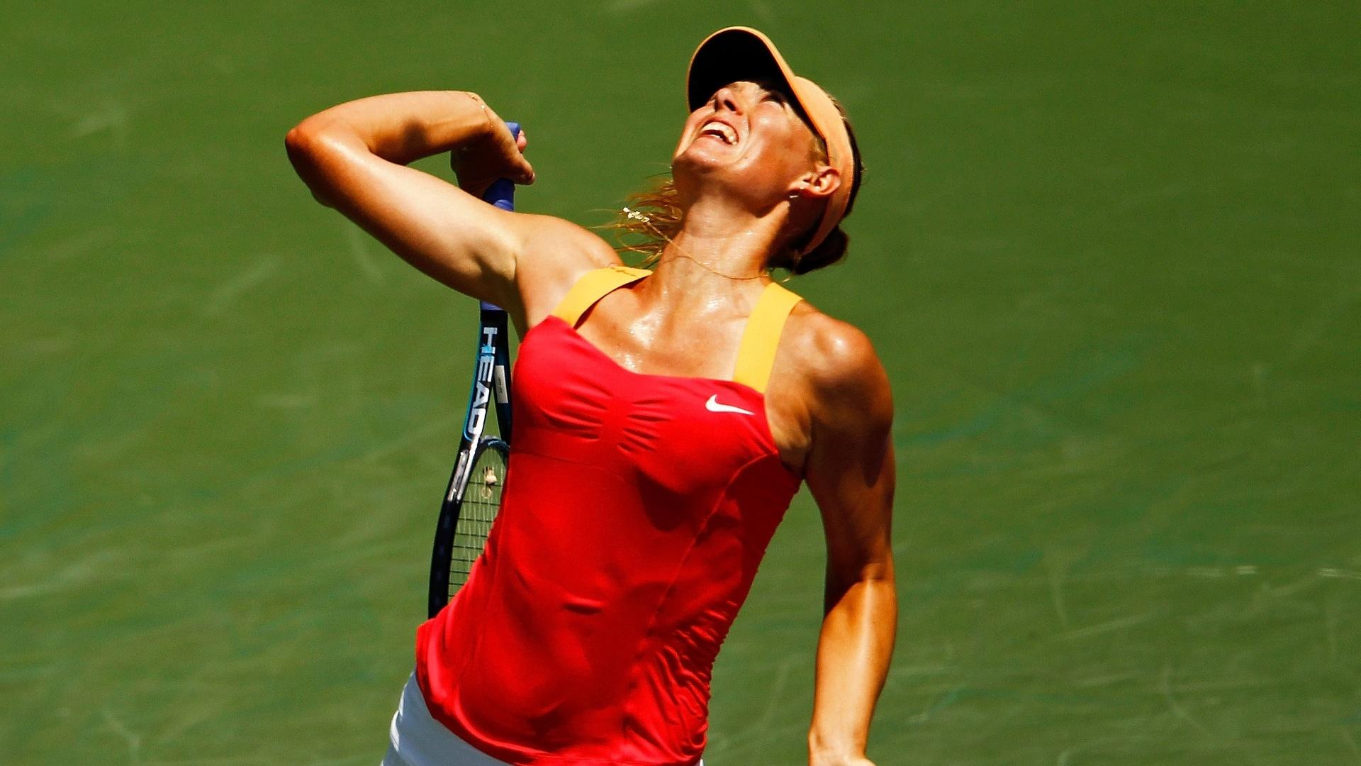 Maria Sharapova, da Rússia, na final do Torneio de Miami contra Agnieszka Radwanska, da Polônia