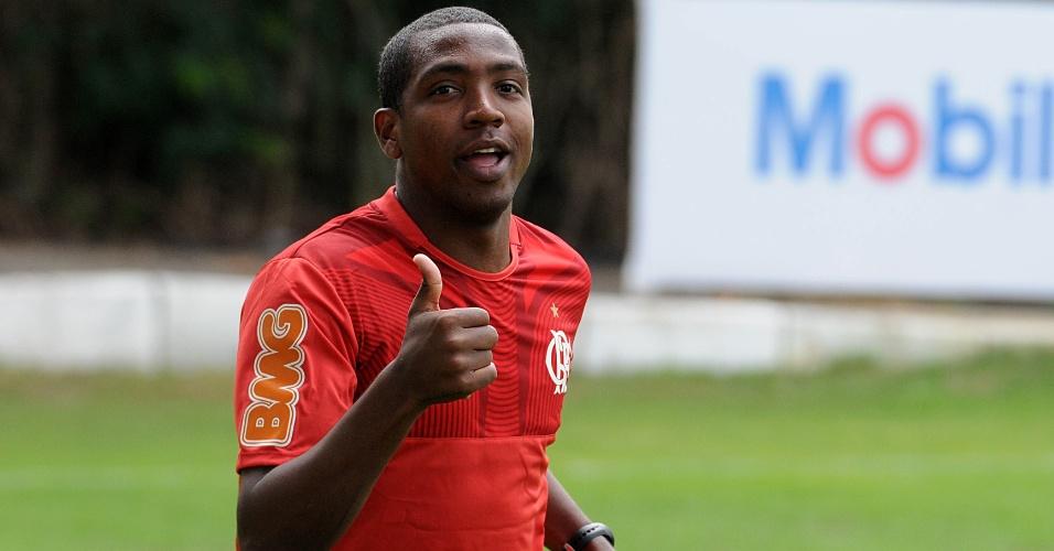 Renato ainda treina separadamente após passar por uma cirurgia para a correção de uma arritmia cardíaca.