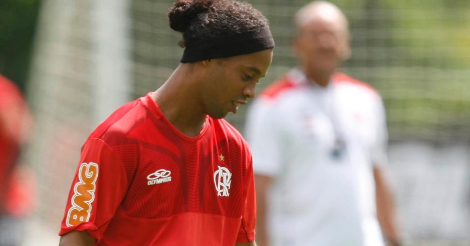 Ronaldinho participa normalmente do treino do Fla neste sábado (31/03/2012)