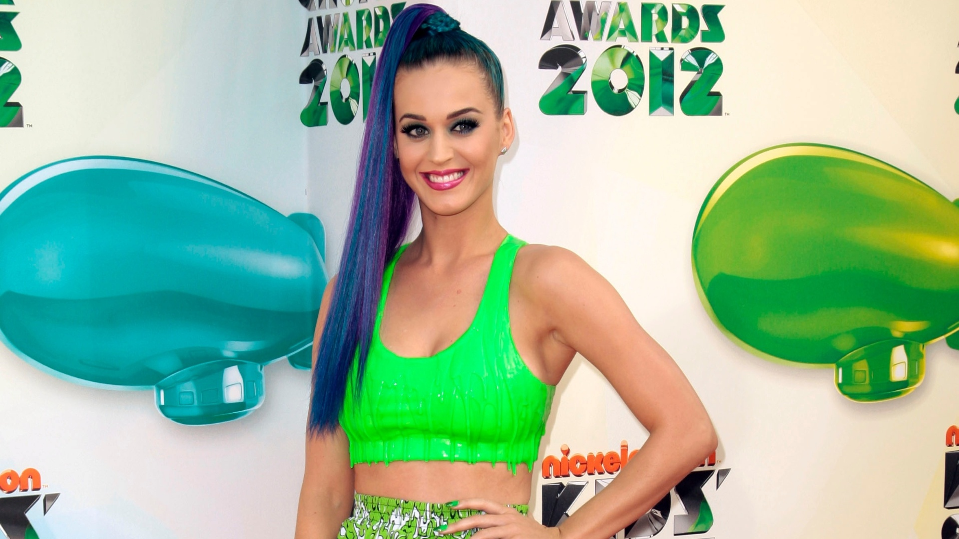 Katy Perry chega ao Kid's Choice Awards em Los Angeles, EUA (31/3/12)