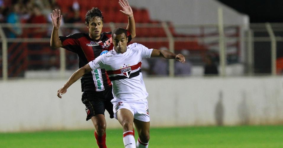 Lucas sai da marcação de Bruno Martins, do Ituano, pela 17ª rodada do Paulista