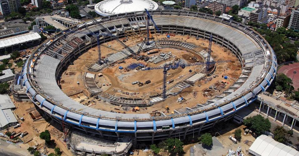 Estado das obras no Maracanã em março de 2012