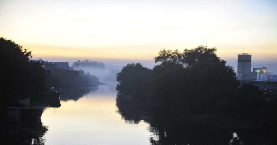Nevoeiros cobrem a Região Metropolitana e o sul do Rio Grande do Sul