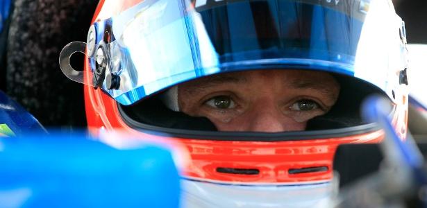 Rubens Barrichello se prepara para entrar na pista pela Fórmula Indy