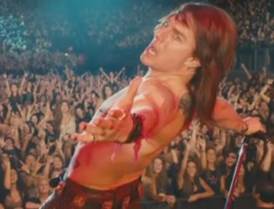Tom Cruise em cena de &#34;Rock of Ages: O Filme&#34;