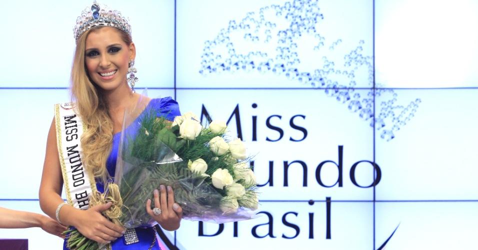 A modelo Mariana Notarângelo, do Rio de Janeiro, é coroada Miss Mundo Brasil 2012,  nesta segunda-feira (2), durante cerimônia em Porto Alegre, no Rio Grande do Sul