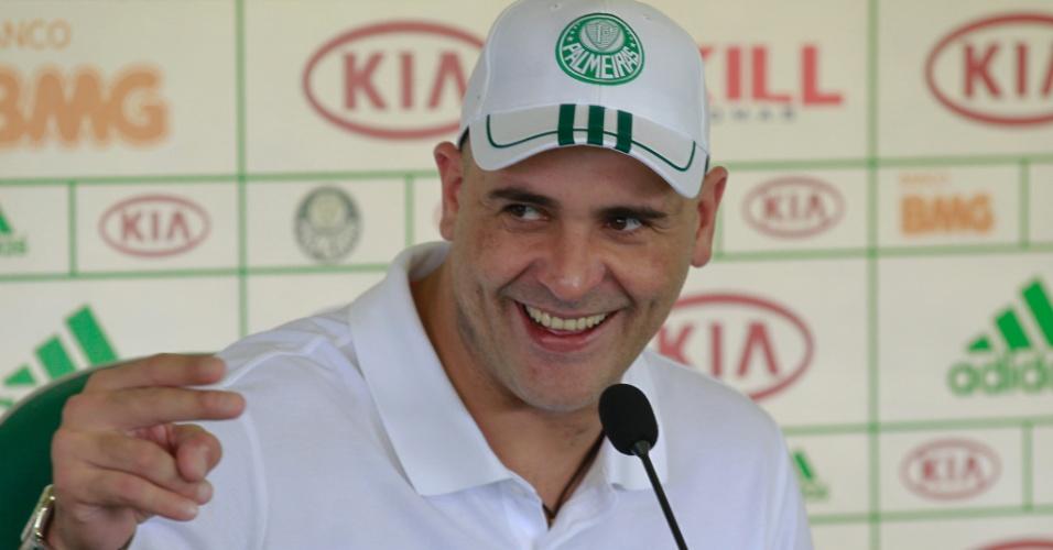 Ex-goleiro Marcos concede entrevista na Academia de Futebol do Palmeiras (03/04/2012)