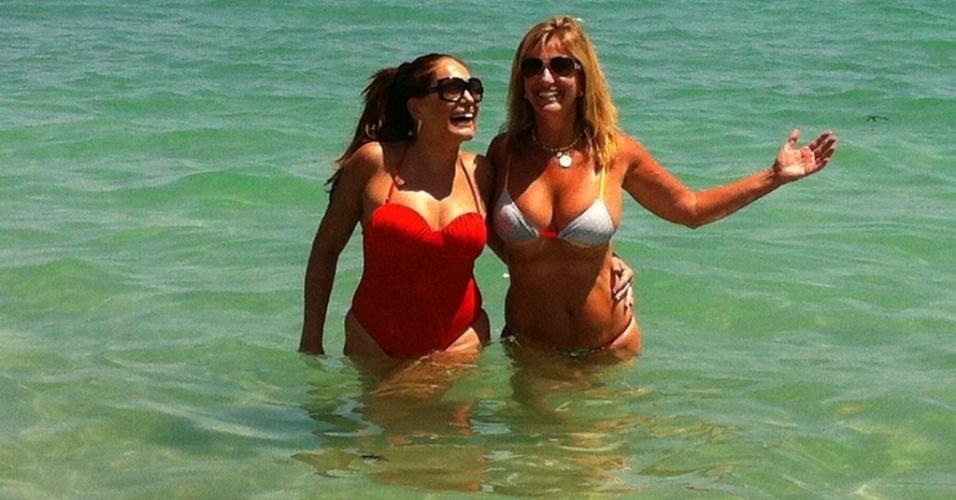 Susana Vieira e a ex-nora Luciana Cardoso se divertem nos EUA (3/4/12)
