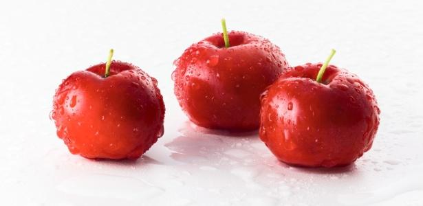 De sabor agradável e reconhecido valor nutricional, a acerola é fácil de cultivar
