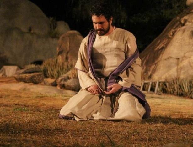 """Caco Ciocler interpreta Judas na """"Paixão de Cristo"""" de Nova Jerusalém, em Pernambuco"""