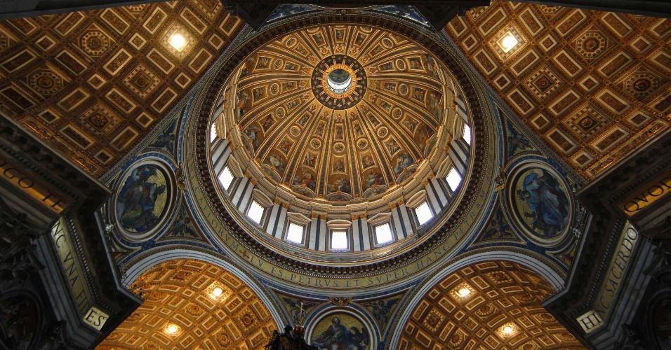 Cúpula da Basílica de São Pedro durante a missa Chrismal na Basílica do Vaticano