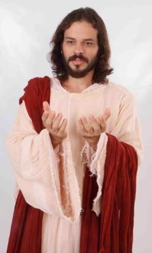 """O ator pernambucano José Barbosa, que interpreta Jesus na """"Paixão de Cristo"""" de Nova Jerusalém, em Pernambuco"""
