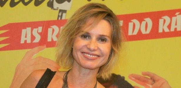 """Paula Burlamaqui prestigia a reestreia da peça """"Emilinha e Marlene - As Rainhas do Rádio"""", no Teatro Clara Nunes, zona sul do Rio (5/4/2012)"""