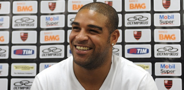 Adriano criticou Corinthians por confinamento, e dirigente rebateu declara&#231;&#245;es