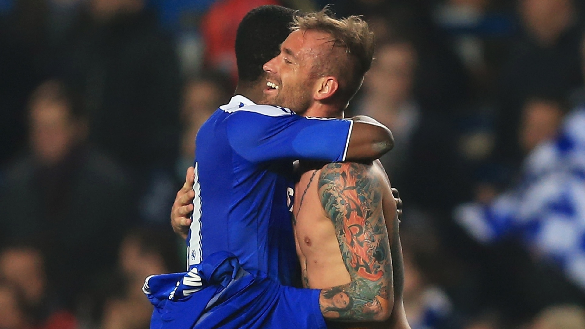 Tatuagem no brao esquerdo de Raul Meireles, do Chelsea, deu o que falar aps partida contra o Benfica pela Liga dos Campees (04/04/12)